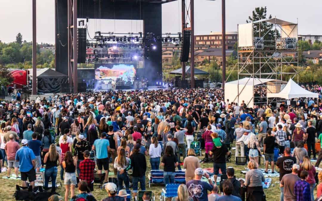 Crowd at live concert at Les Schwab Amphitheatere in Bend, Oregon