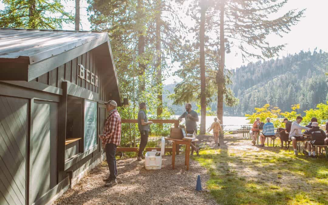 Top Spots for Outdoor Bites in Central Oregon